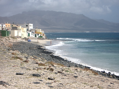 View of the beach which is situated directly at Puerto de la Cruz (Puertito)