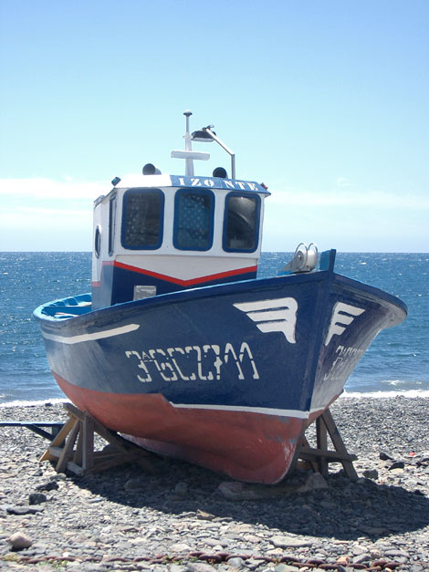 Fishing boat on Giniginamar beach